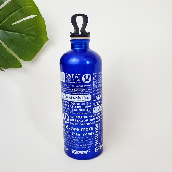 Lululemon SIGG Logo Top Manifesto Water Bottle